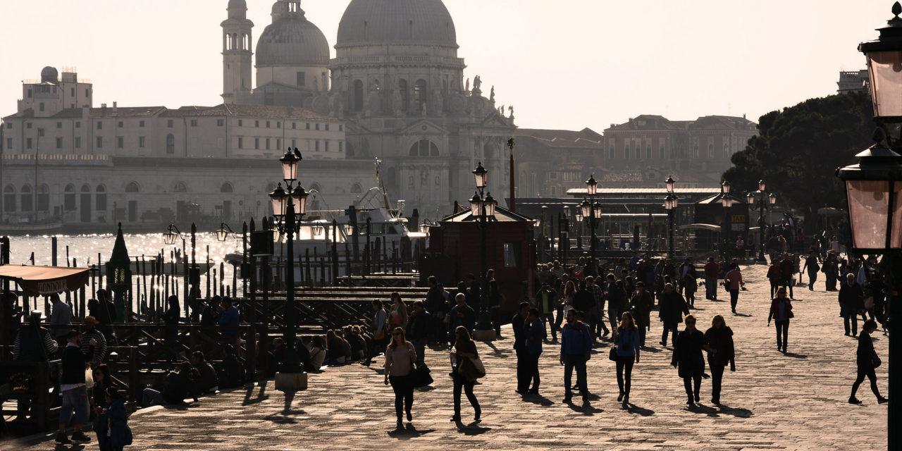 Tornelli veneziani e turismo di massa